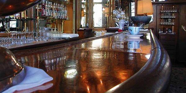 un bar condamn par l urssaf pour des verres rapport s au. Black Bedroom Furniture Sets. Home Design Ideas