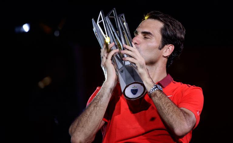 Tennis: 81e titre pour Federer face � un Simon accrocheur