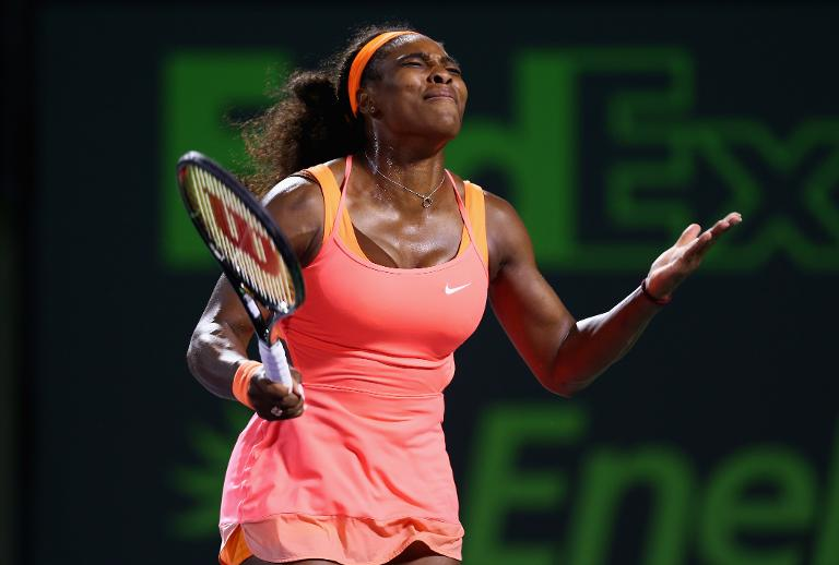 Tennis: Williams dans la douleur, Djokovic rass�r�n� � Miami