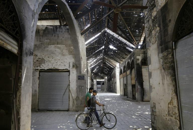 Défiguré par la guerre, le souk de Homs veut retrouver son charme