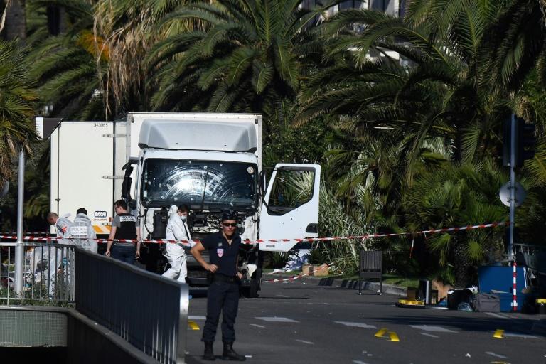 Trois suspects mis en examen et écroués — Attentat de Nice